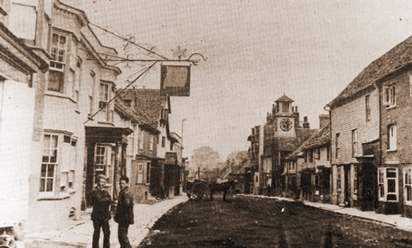 Steyning High Street, early-20th century.