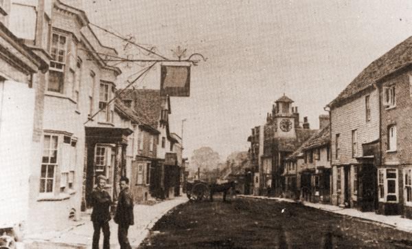 Steyning High Street, early-20th century.